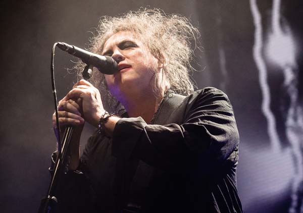 the cure live 2016 robert smith